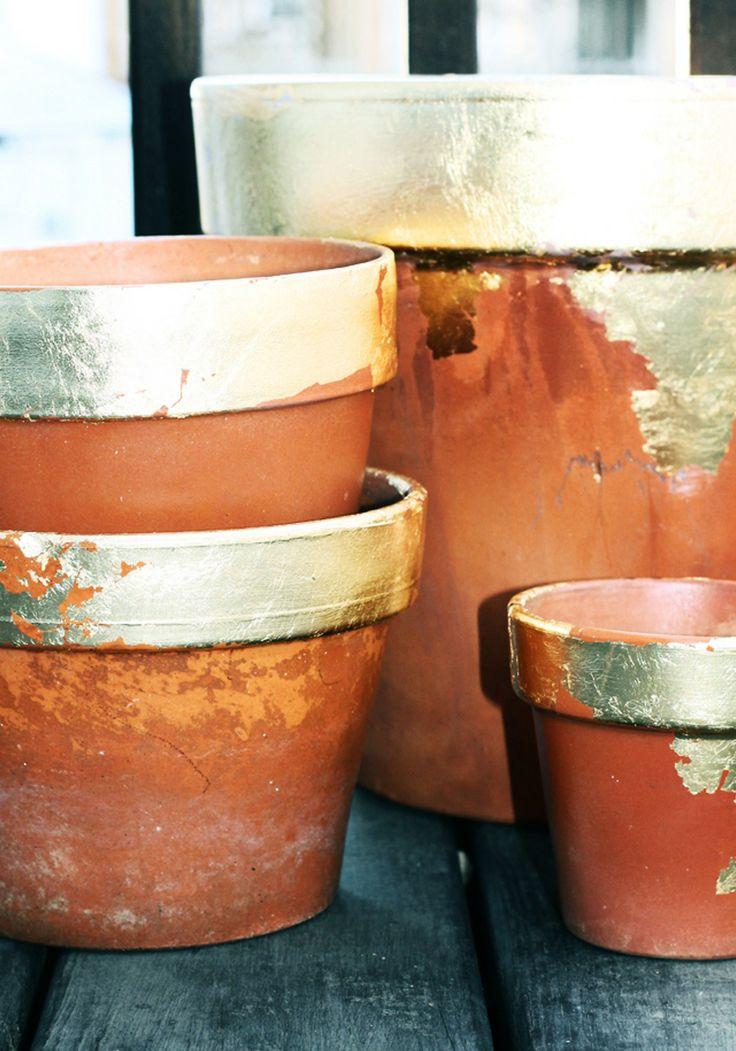 DIY gilded terracotta pots.