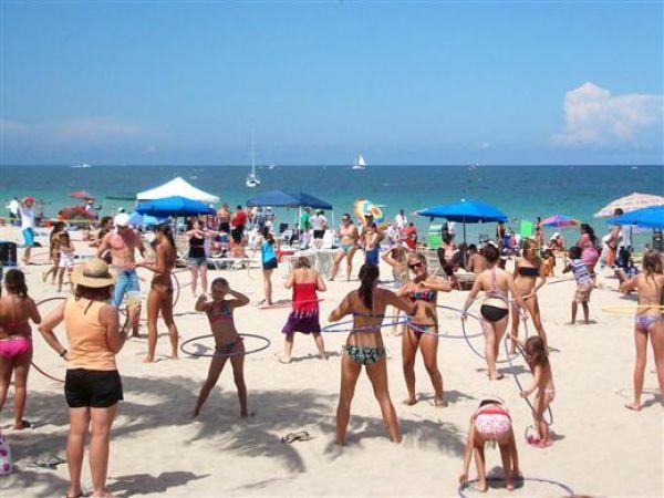 Bikini beach party contest — img 2