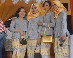 Model Kebaya Prada Kuning Muslim