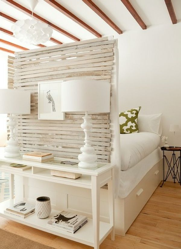 Kunstvolle Einzimmerwohnung Harmonie In Einem Brookliner Apartment Http Cooledeko De One Room Apartmentsmall