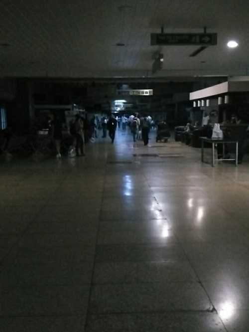 Apagón dejó a oscuras aeropuerto Internacional de Maiquetía