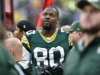 Bennett may play tonight but story not done in GB. Packers intend to go after his money (Rapoport).  http://ift.tt/2jndiKb Submitted November 12 2017 at 08:12AM by dylonlochhead via reddit http://ift.tt/2ACbIZ3