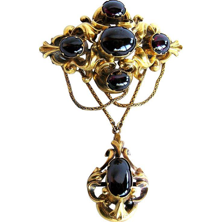 Victorian Antique Cabochon Garnet 14K Gold Brooch, c. 1870s