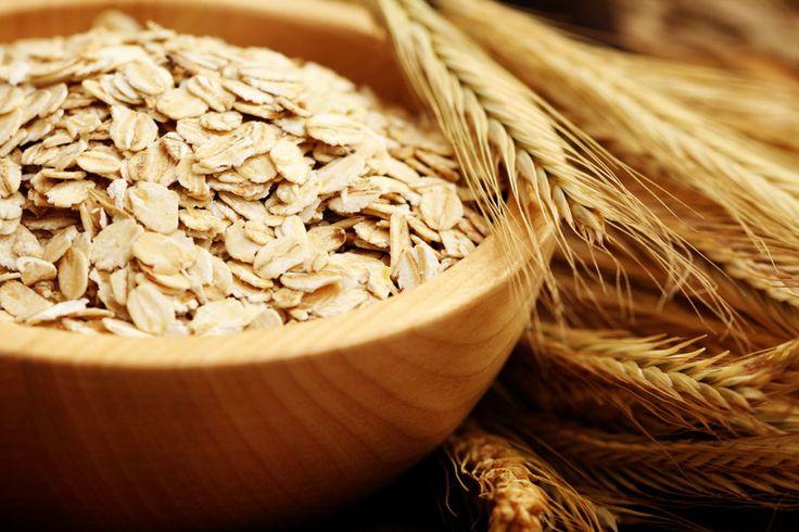 ***¿Cómo incorporar avena a nuestra dieta diaria?*** La avena, es un cereal que posee en su composición proteínas, hidratos de carbono, grasas saludables, vitaminas, minerales y nutrientes.....SIGUE LEYENDO EN..... http://comohacerpara.com/incorporar-avena-a-nuestra-dieta-diaria_1796c.html
