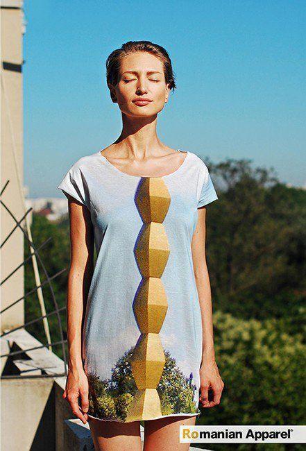 Endless column dress €79