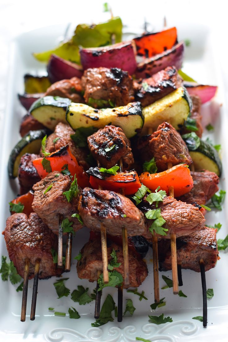 Made with marinated sirloin steak and vegetables like zucchini, bell peppers and onions, these Easy Mexican Beef Skewers are perfect for entertaining!