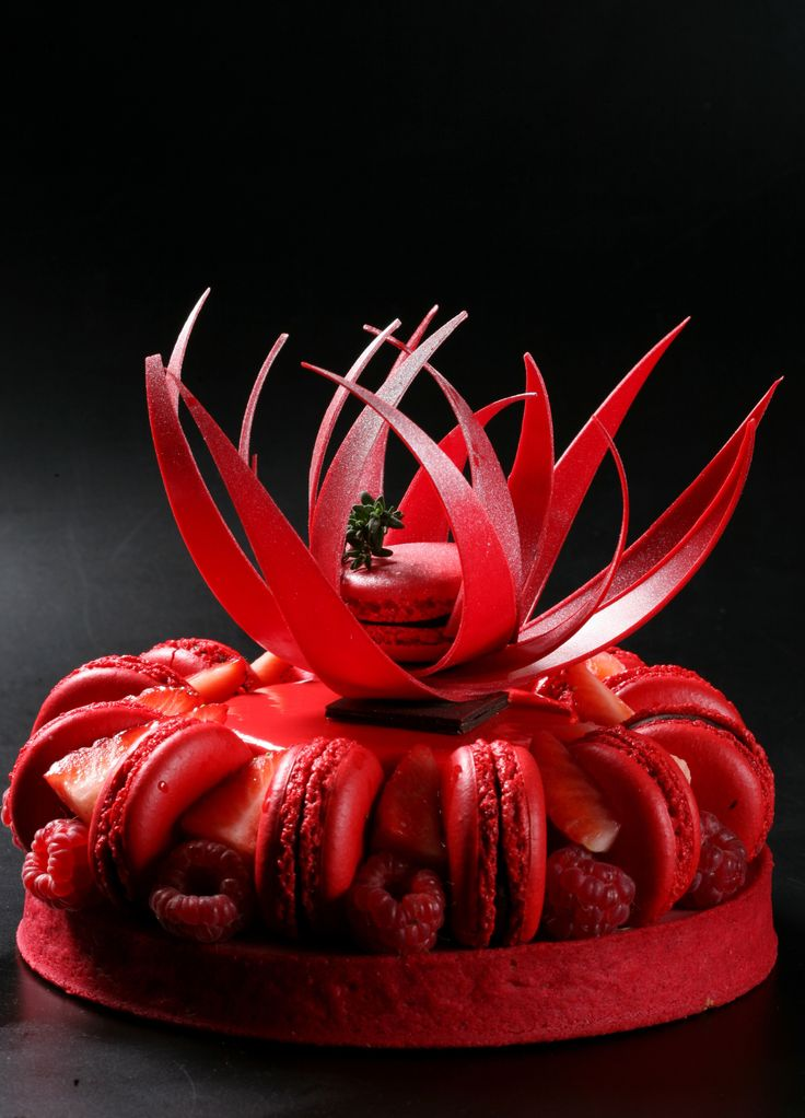 Author Creations by Pastry Chef Hans Ovando. World Chocolate Masters April 14, 15 & 16 in Maria Selyanina's House-Pastry Lab. Creaciones de Autor del Chef Hans Ovando. Campeon del Mundo de Chocolate 14, 15 y 16 de Abril en la Casa-Escuela de la Pastry Chef Maria Selyanina. House-Pastry Lab & Atelier Gourmand www.mariaselyanina.es (+34) 931224646 @maria_selyanina Barcelona - Spain #mariaselyanina #mariaselyaninaschool #russia #barcelona #pastry #pastryschool #pastrycourses