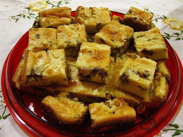 A Torta de Liquidificador Molhadinha (Empanada) é prática, deliciosa e será um sucesso no lanche da sua família. Experimente! Veja Também:Torta Cremosa de