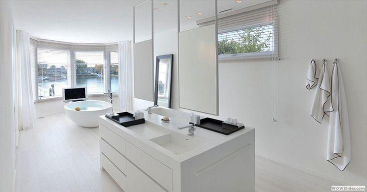 Best 25 Modern Bathroom Lighting Ideas On Pinterest: 25+ Best White Minimalist Bathrooms Ideas On Pinterest