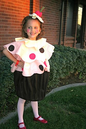 cupcake costume. my future kids will hate me for this, but I'm doing it anyway.