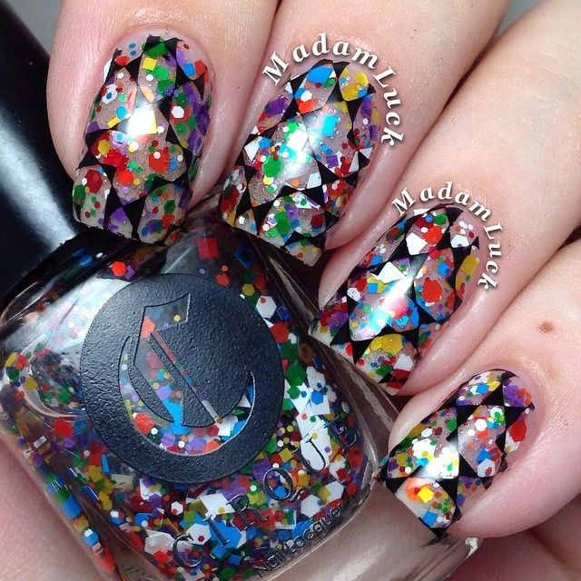 Cirque Colors KALEIDOSCOPE with geometric pattern