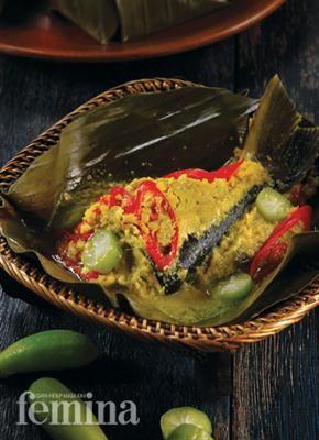 Pepes Ikan Patin Bumbu Kuning