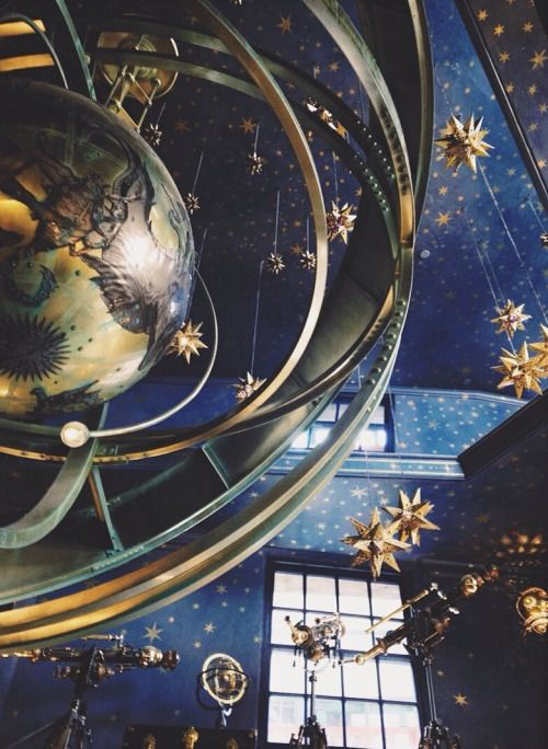 Ravenclaw Common Room's star constellation celling – Tamara