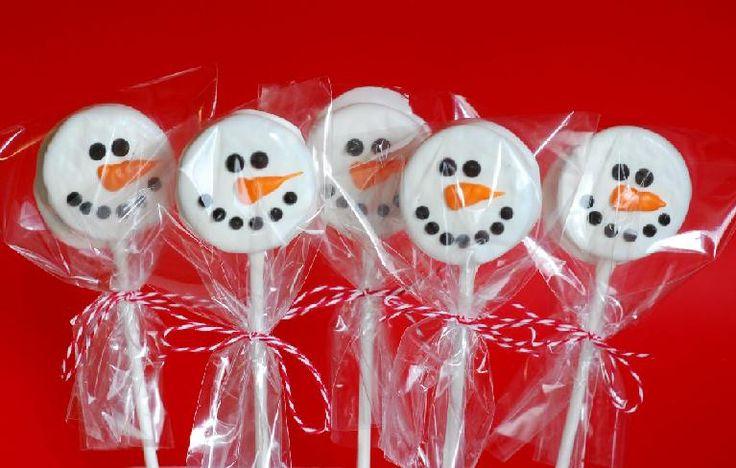 Snowman Oreo Pops - a cheap & easy Christmas gift idea