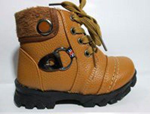Sepatu Boot Anak Tali + Resleting Dalam Warna Coklat Krem2 in stock Bagian luar leather, bagian dalam kain lembut dan bagian bawah karet sehingga tidak licin saat dipakai jalan. Juga Asik banget dipakai saat pesta atau ke mall.25/16cm 26/16.5cm 27/17.5cm 28/18cm 29/18.5cm 30/19cm 31/19. Rp. 145,000.00