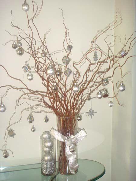 A internauta Patrícia Frota Machado bolou um modelo de árvore de Natal para que não tem muito espaço em casa, mas não abre mão da decoração ...