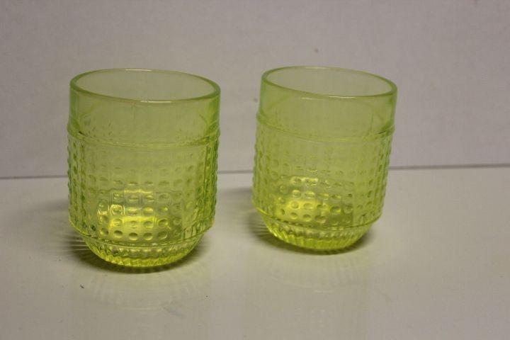 Erkkitapio Siiroinen Riihimäen lasi Barokki juomalasi, keltainen 2 kpl, korkeus 9cm, halk. 7,5cm.