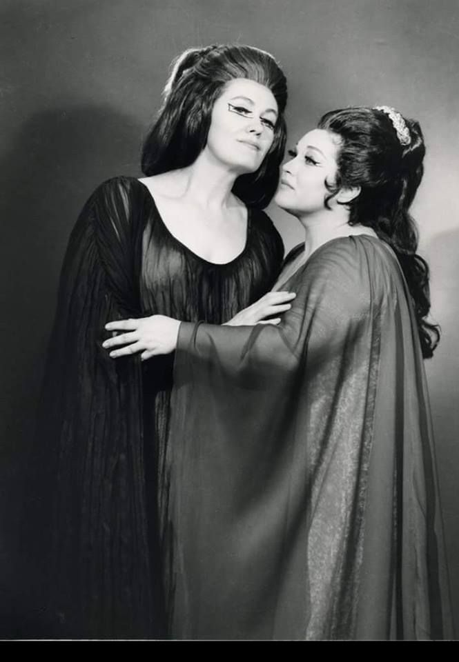 Joan Sutherland and Marilyn Horne - Norma production