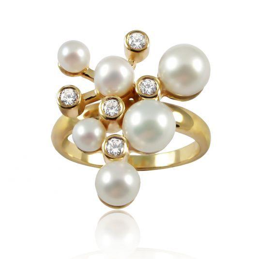 Праздничное золотое кольцо с жемчугом и цирконием. Золото 585 пробы. Вес 3,0 грамма.