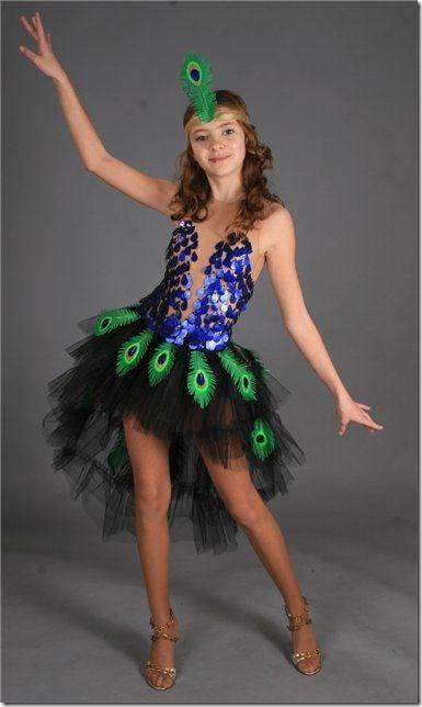 idea disfraz casero de pavo real para nias