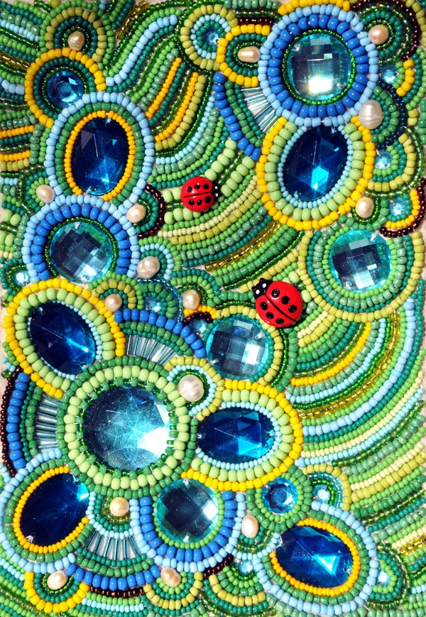 From Green-Bear-Cub: вышивка бисером Beaded cabochons attached to fabric and great use of design and color.