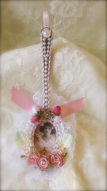 Shabby Chic ornament Martica Designs