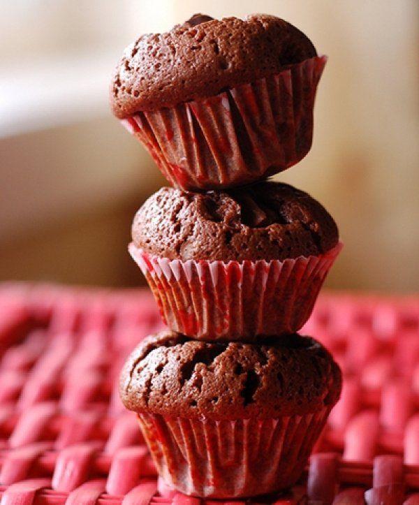 Μίνι κέικ σοκολάτας με μόλις 3 υλικά