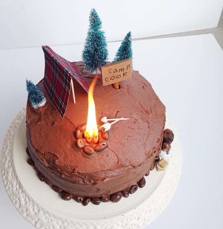 campfire cake...this is such a fun way to arrange the candles!