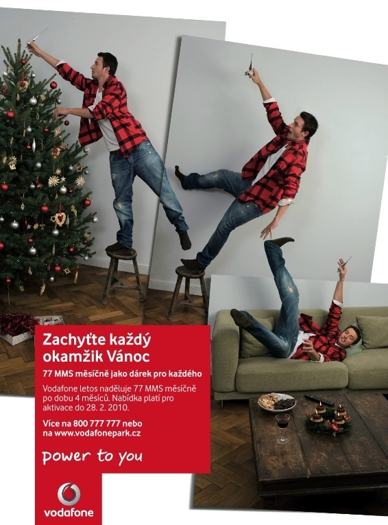 Vodafone - Capture every moment of christmas. Use MMS. by Jan Houdek, via Behance