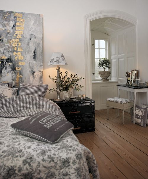 : Grey Bedrooms, Decor Ideas, Interiors, Colors Schemes, Bedside Tables, Cream Bedrooms, Bedrooms Ideas, Gray Bedrooms, Beautiful Bedrooms