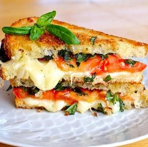 3 Fast and Fancy Grilled Cheese Sandwiches #food #sandiwch #grilled