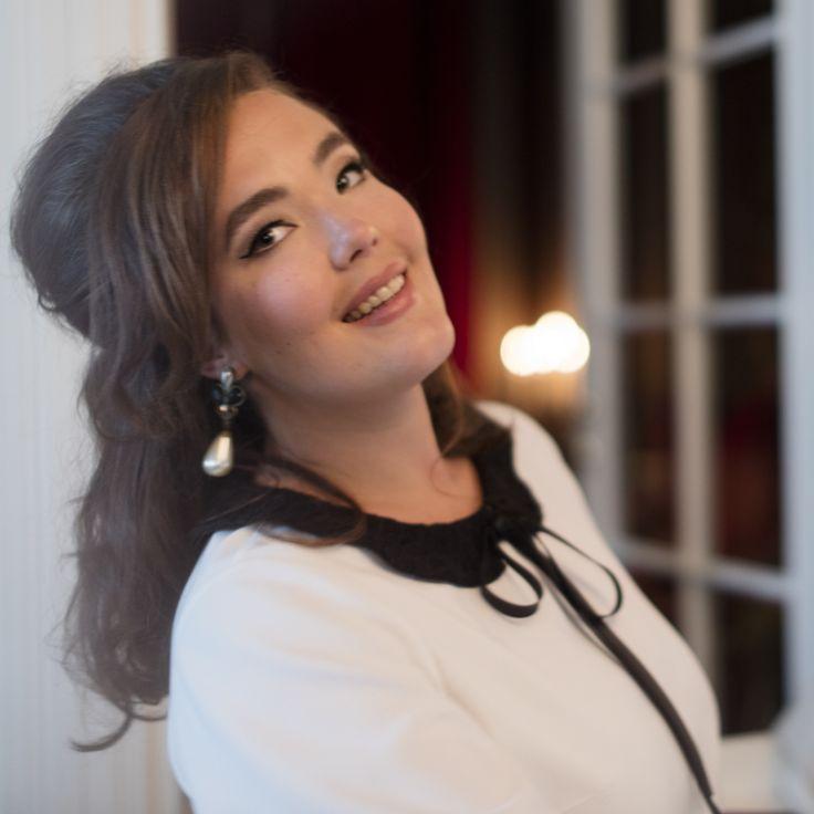 Chantal Bow Blouse Photo: Nanna Hänninen Make up&Hair: Satu Arvo Model: Ninja Sarasalo