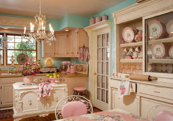 Кухня в стиле шебби-шик: винтажная роскошь для ценителей комфорта и 80 уютных интерьеров http://happymodern.ru/kuxnya-v-stile-shebbi-shik/ Романтическая обстановка кухни шебби-шик