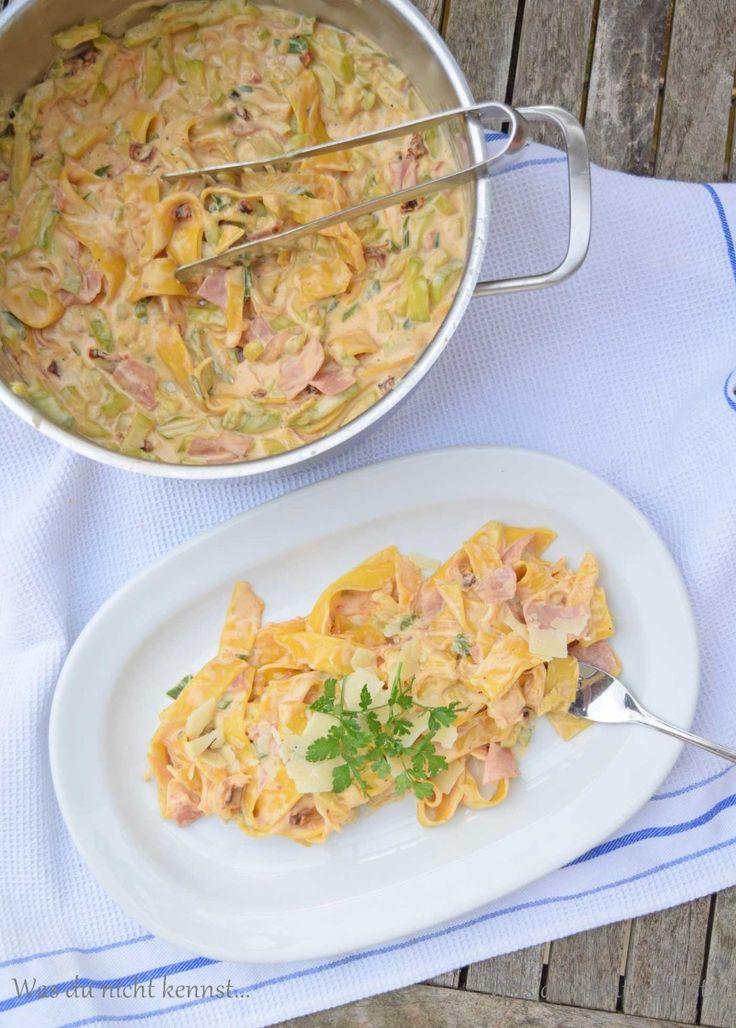 TOP ;) One Pot Pasta Zucchini Schinken. Super schnell und lecker.