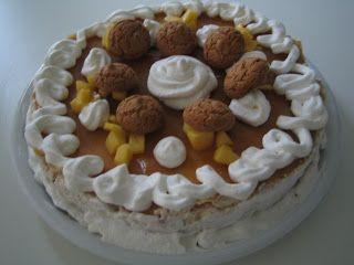 in vena di dolcezze...non si può restistere ad una cheesecake delicata agli amaretti e coulis di pesche :-)