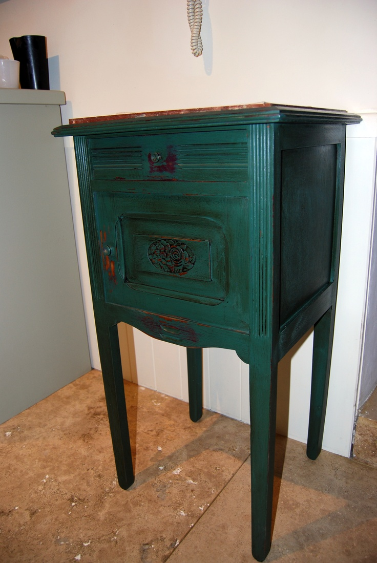Autentico Paint French night stand in Autentico Vert Anglais