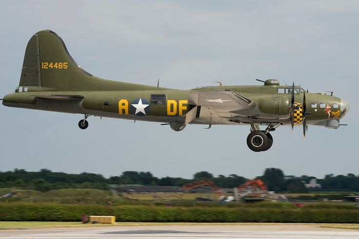 "_DSC4734-Boeing B17 ""Flying Fortress"" G-BEDF. ""Sally B"" ""Memphis Belle"""