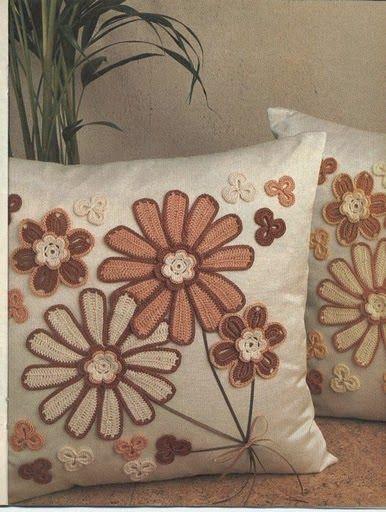 SANDRA CROCHE: Almofada com aplicação de croche