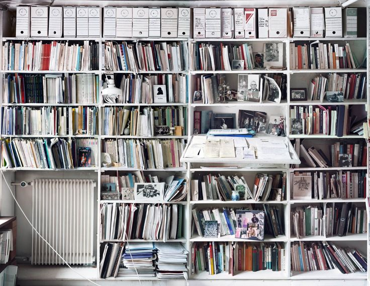 Jacques Derrida's room of his published books.