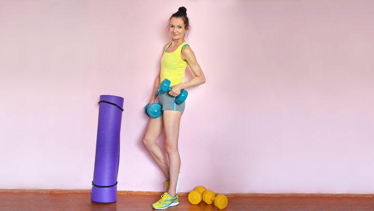 Fit mit Fun und dem richtigen Sport Equipment #Fit durch #Sport Den inneren #Schweinehund besiegen? Was ist die richtige Sportart für mich? Wie fange ich bloß endlich an?  Auf meinem Blog gibt's Antworten, damit auch du fit bleibst oder wirst :-) #Fitness #Sport  #Training #Fitnesstudio #taebo #kickboxen #sportbh #sportequipment #Trainingskleidung #hanteln #fitnessdvd #motivation
