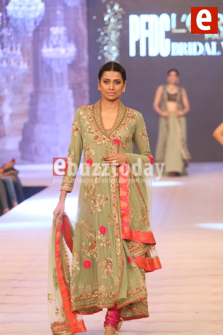 Misha-Lakhani - PFDC-L'Oréal-Paris-Bridal-Week-2014-ebuzztoday (48)