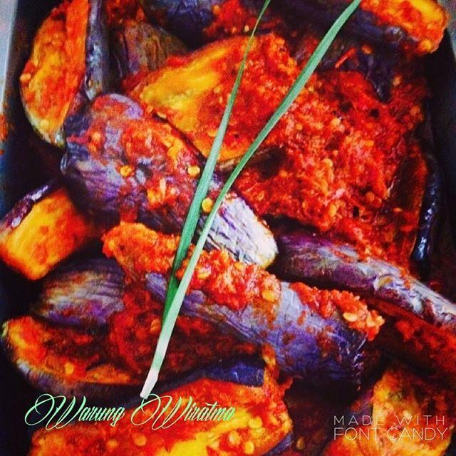 Balado terong. #cirebon #kulinercirebon #wisatakuliner #makanan #jawabarat #indonesia #warungwiratama #warungnasiwiratama #foodporn #instafood #jajanan #jajanancirebon #kuliner #otentik #traditional #nusantara #cirebonbribin #world #food #entrepreneur #wirausaha #makanan  Yummery - best recipes. Follow Us! #foodporn