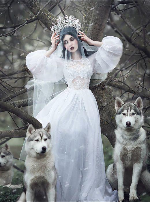 Margarita Kareva est une photographe d'Ekaterinbourg (à 1667 km à l'Est de Moscou) qui crée un style fantaisiste unique pour ses photos de mode.