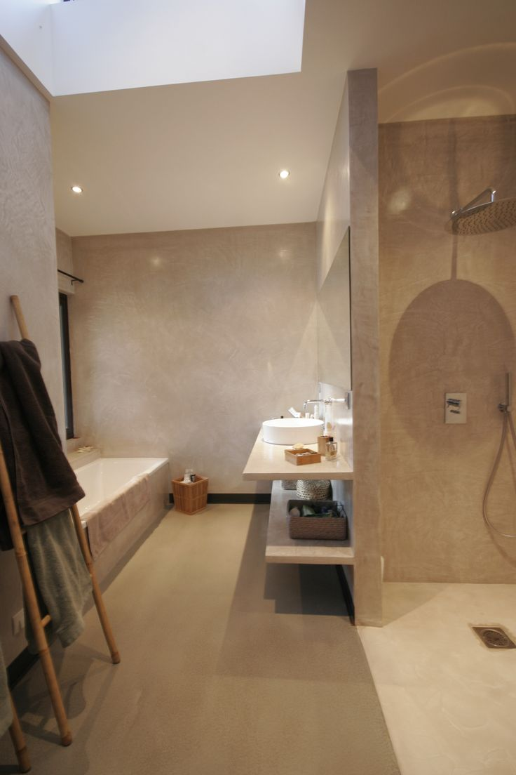 Salle de bain b ton cir atelier luc germain id es for Carrelage salle de bain gris 30x60
