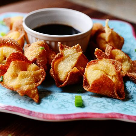 Cream Cheese Wontons: Great recipe from the pioneer woman, we had to share! Crispy appetizers!