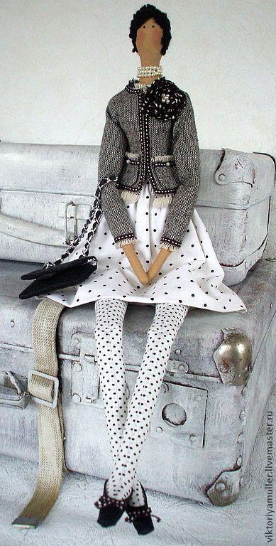 Купить кукла тильда ручной работы ШАНЕЛЬ - чёрно-белый, твид, жакет Шанель