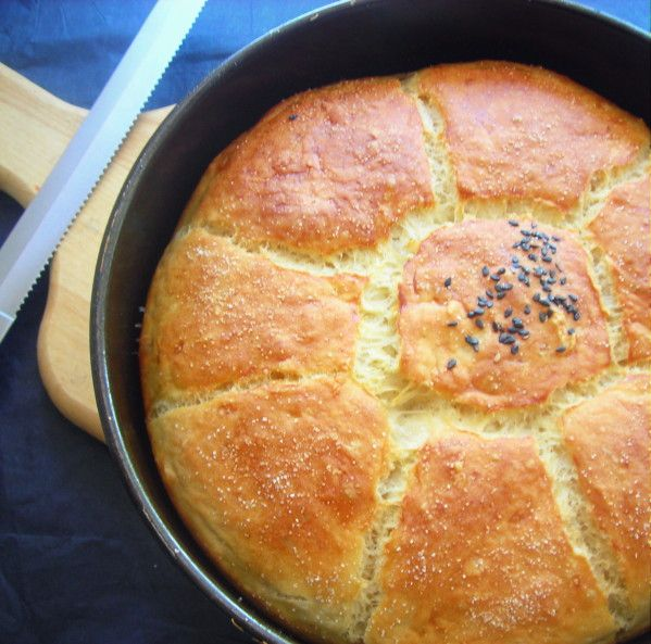Qui dit vendredi dit journée Boulange, et aujourd'hui je vous propose un pain moelleux et même e...