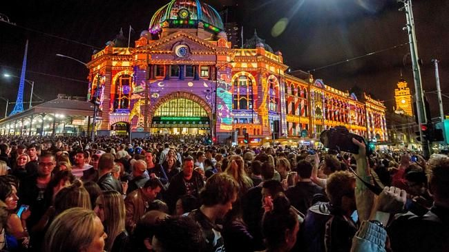 Flinders Station Crowd