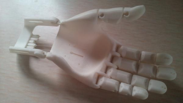 Flexy-Hand 2 - A próxima geração de mãos protéticas impressas em 3D