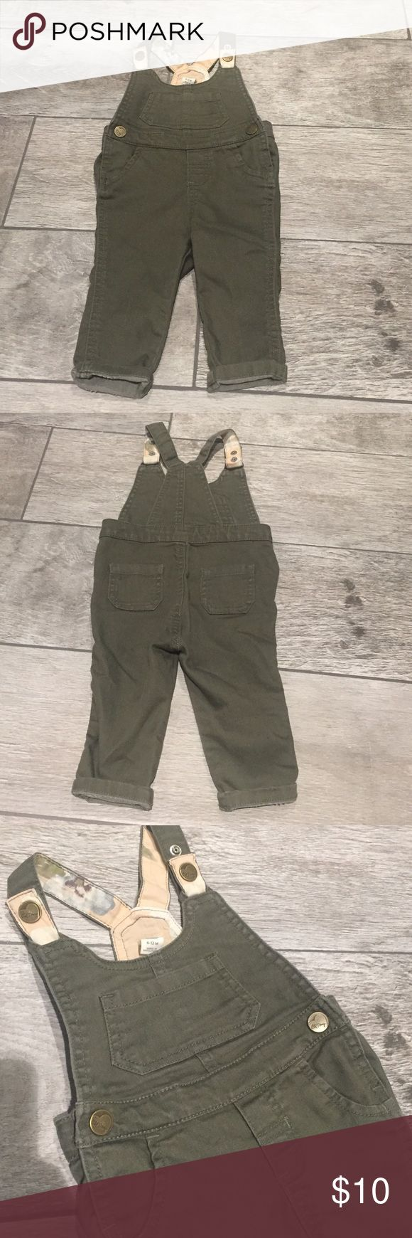 Baby girl's Old Navy overalls Camo green, adjustable strap overalls Old Navy One Pieces